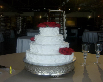 Indulge in a beautiful cake at your wedding reception!